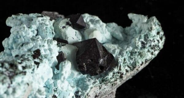 cuprite-chrysocolla-1890751193