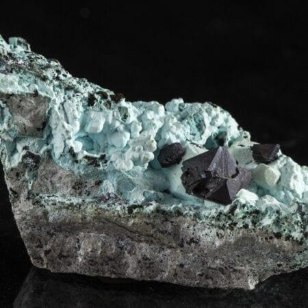 cuprite-chrysocolla-431560945