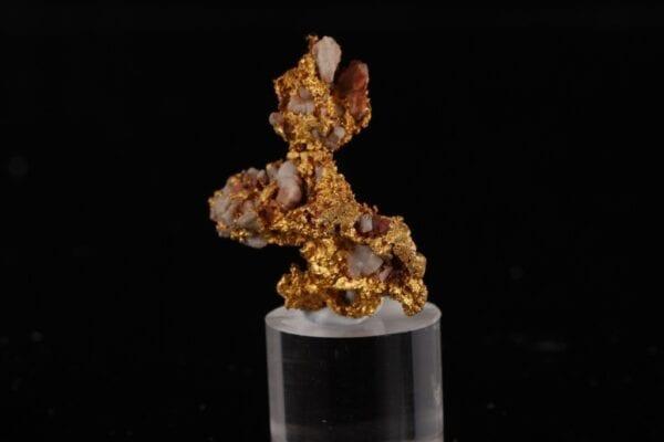 gold-quartz-519637374