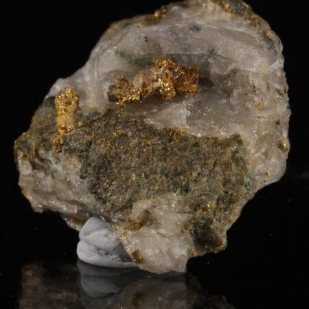 gold-quartz-412066554