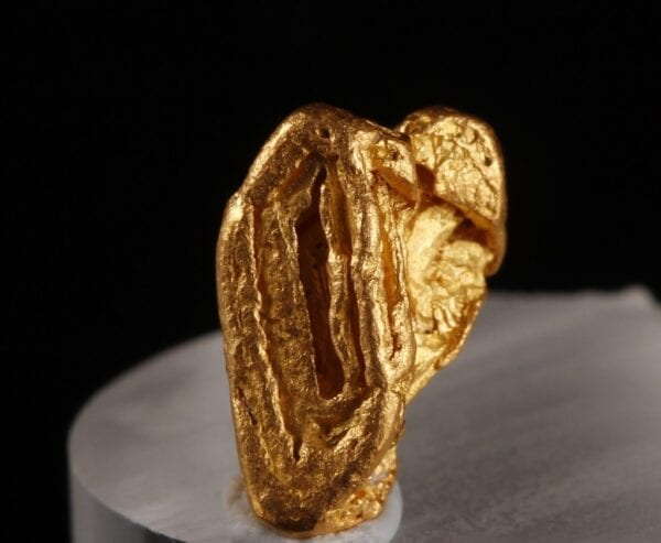 gold-crystal-1326177329