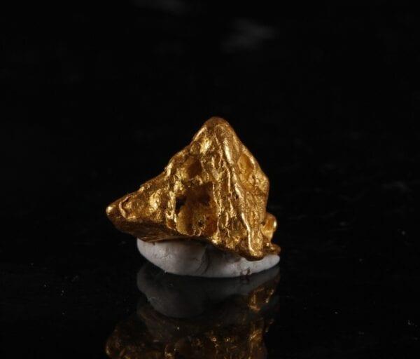 pyramid-gold-crystal-1772525073