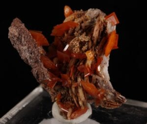 wulfenite-barite-418417227
