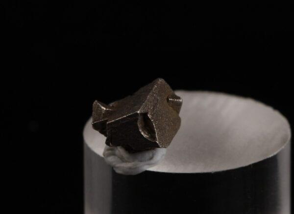 platinum-crystal-134075616