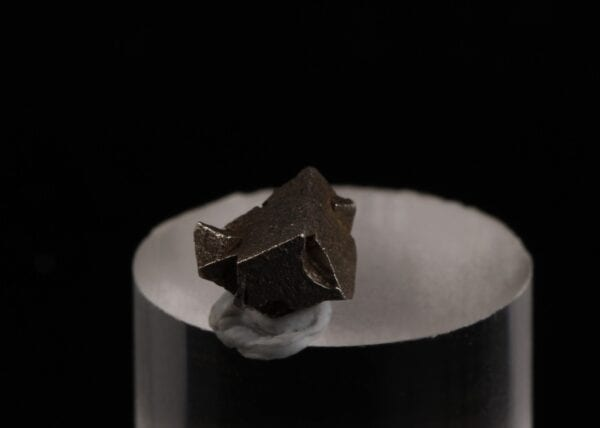 platinum-crystal-273494180