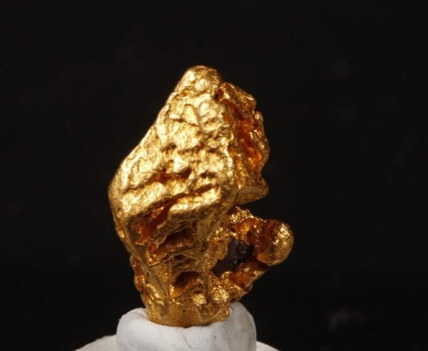 gold-crystal-1179391751