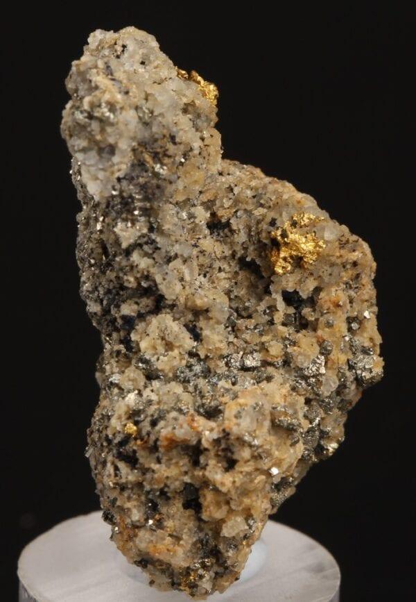 gold-tetradymite-843877757