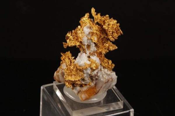 crystallized-gold-731750253