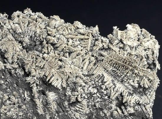 silver-native-arsenic-246537444