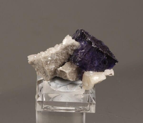 fluorite-dolomite-52195258