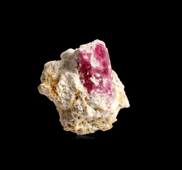 red-beryl-1241361274
