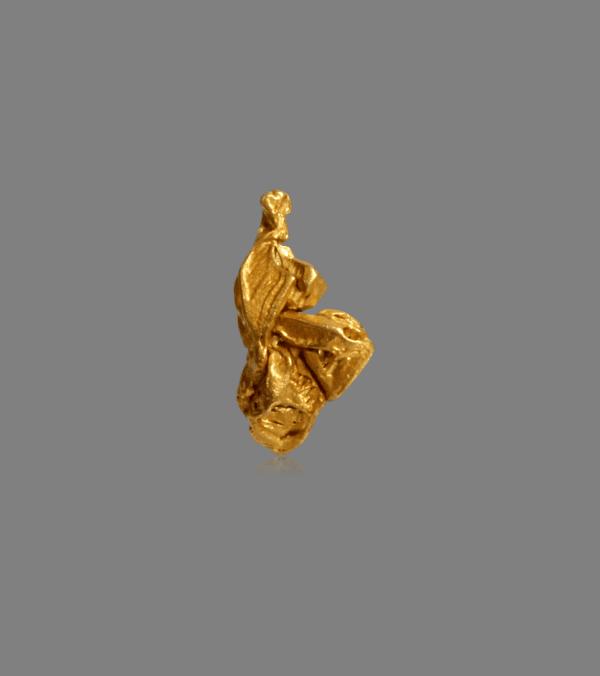gold-crystal-cluster-453790307