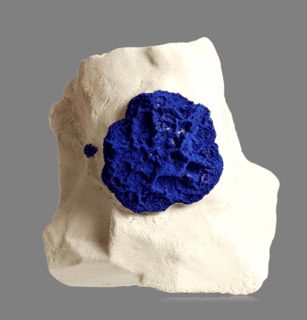 azurite-sun-928743973
