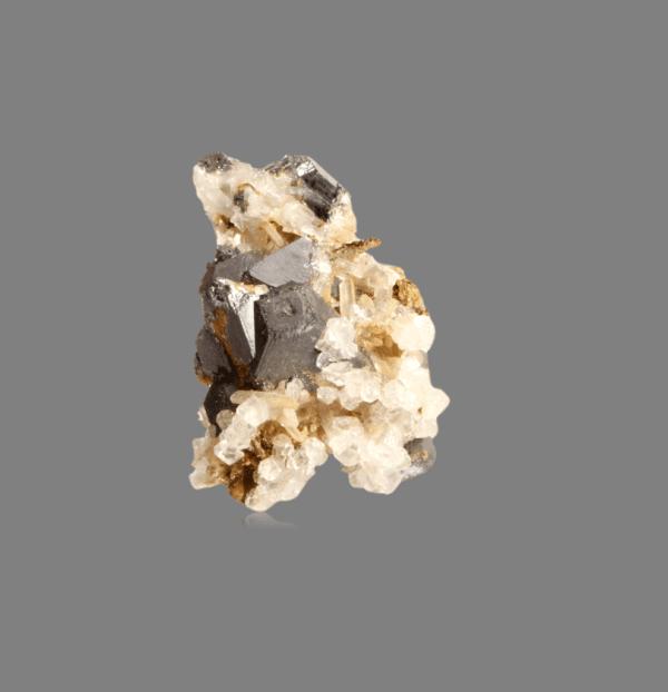galena-crystals-494228136