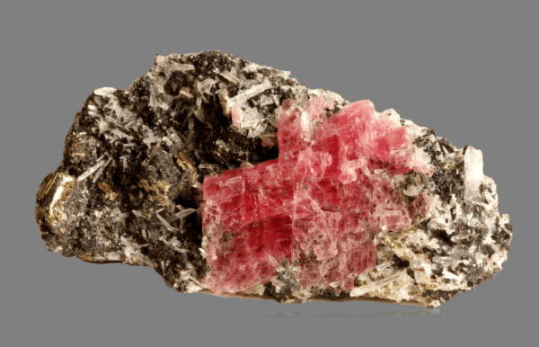 rhodochrosite-hubnerite-pyrite-quartz-1434432103