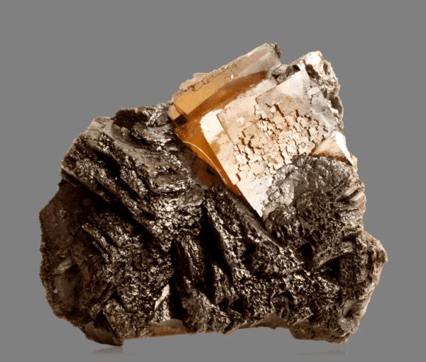 fluorite-sphalerite-and-bitumen-1783976277