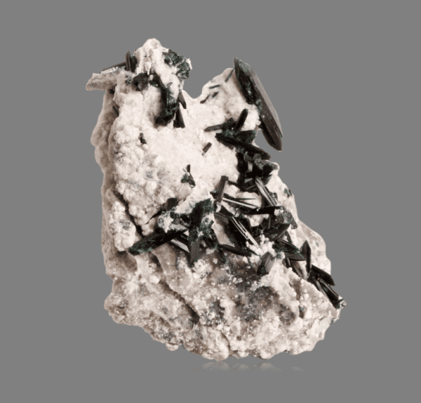 brochantite-matrix-552349090