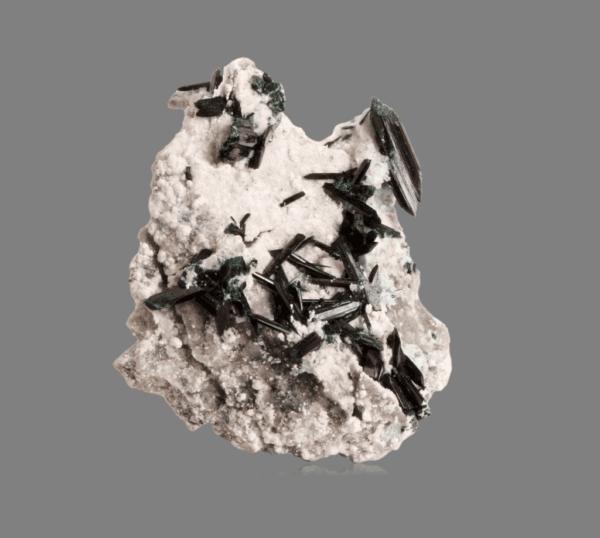 brochantite-matrix-890101562