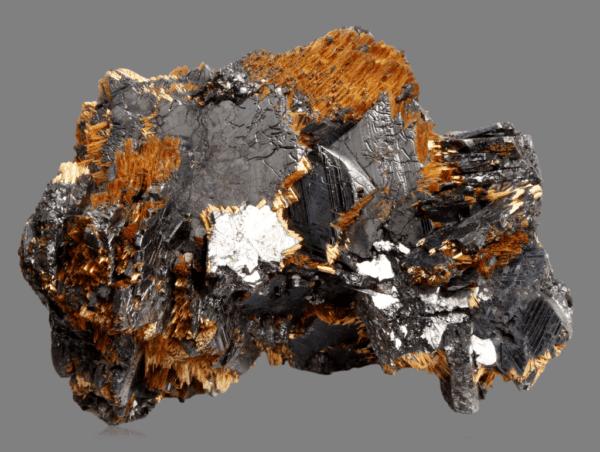 hematite-rutile-417619404