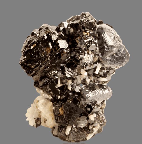 sphalerite-galena-chalcopyrite-and-quartz-1757268351