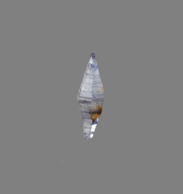 corrundum-var-sapphire-822261572