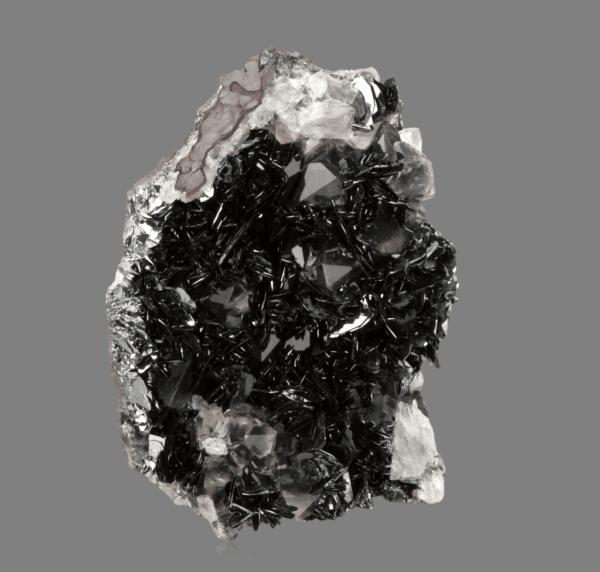 hematite-quartz-1699402214