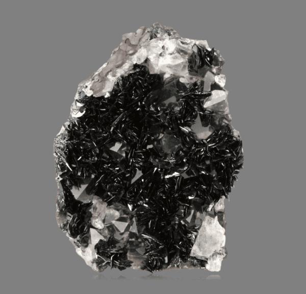 hematite-quartz-995000320