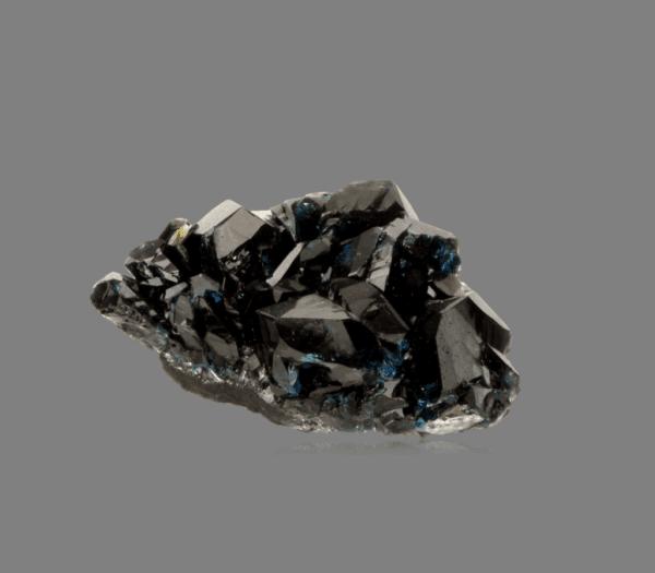 lazulite-744362569