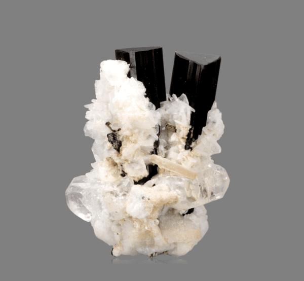 schorl-topaz-and-albite-1371913315