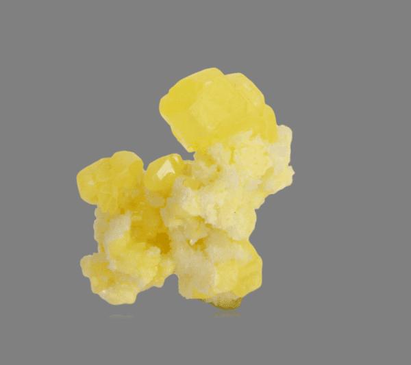 sulphur-aragonite-620689018