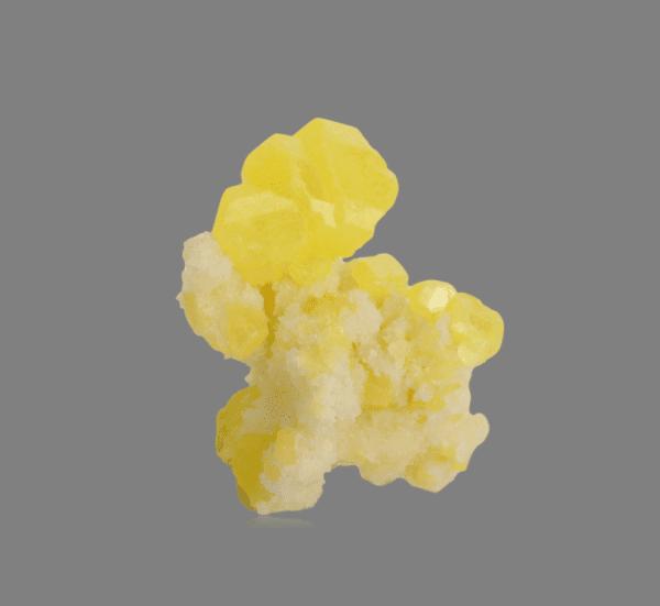 sulphur-aragonite-961579545