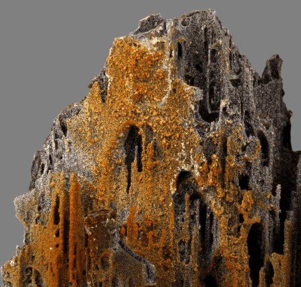 iodargyrite-pyrolusite-1274419490