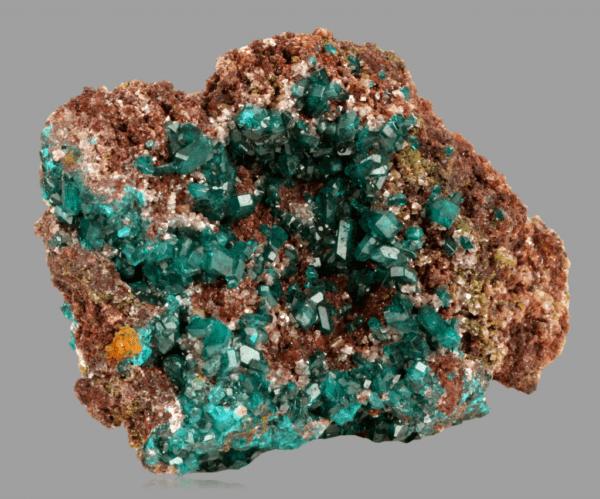 dioptase-molybdofornacite-1680448516
